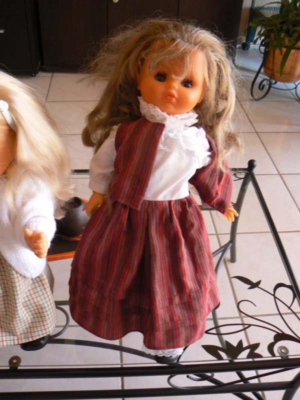 ces poupées sont  a vendre corolle,famosa  bella