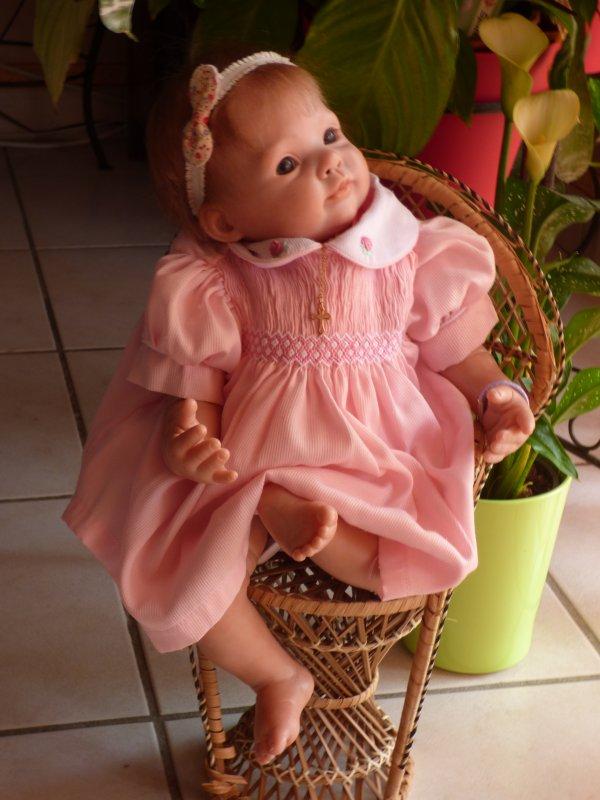 charlotte a mis  sa nouvelle robe