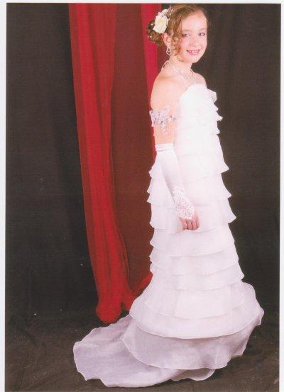 ma  soeur  en  robe  de  soiree