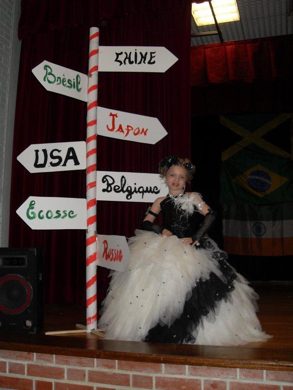 ma  princesse   elu  2 eme  dauphine   pays  du  monde  miss des  miss