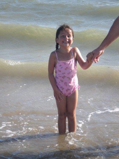 Emilie à l'océan