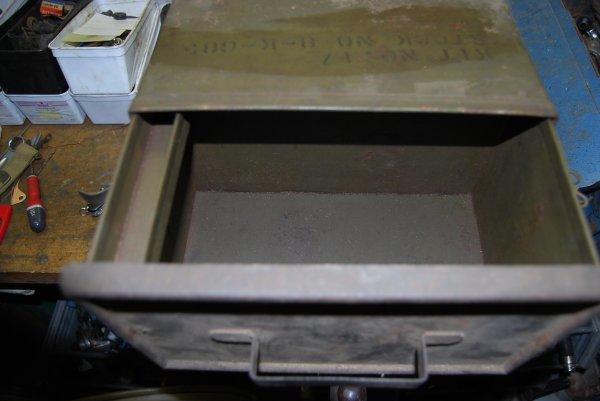 rare boite outils  camion GMC cabine ouverte