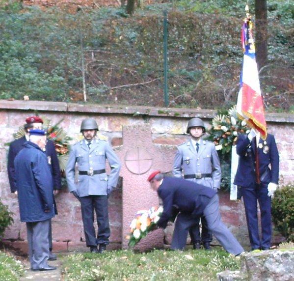 NACHTRAG 23: Die UNP Haguenau zum Volkstrauertag in Hardenburg (Bad Dürkheim) - (18. November 2007)