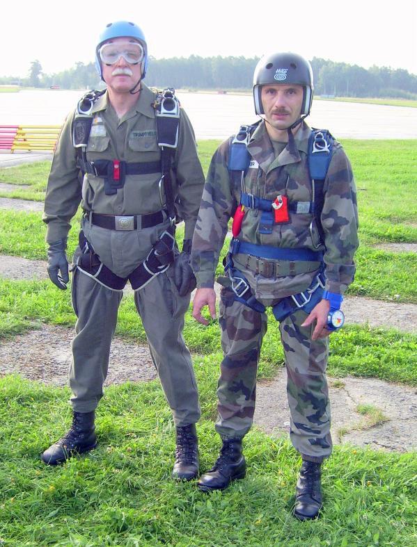 NACHTRAG 34: Fallschirmspringen in Line bei Pilsen (CZ) am letzen Wochenende im August 2008