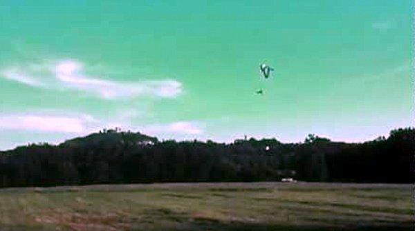 Du parachutistes au Pilote ULM / From parachutist to ULM - Pilot / Vom Fallschirmspringer zum ULM-Pilot