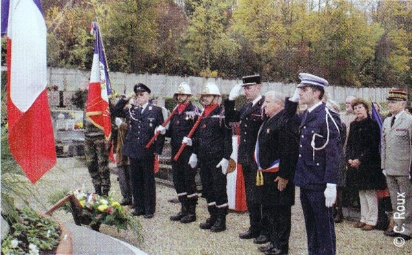 Nachtrag 63: 11 . November 2012 – Gedenkfeier anlässlich des 94. Waffenstillstandstages des 1. Weltkriegs in Le-Pecq sur Seine / Yvelines / Frankreich - 11e Novembre 2012 - en commémoration du 94e anniversaire - Jour de l'Armistice de la 1ère Guerre mondiale au Pecq sur Seine / Yvelines / France.