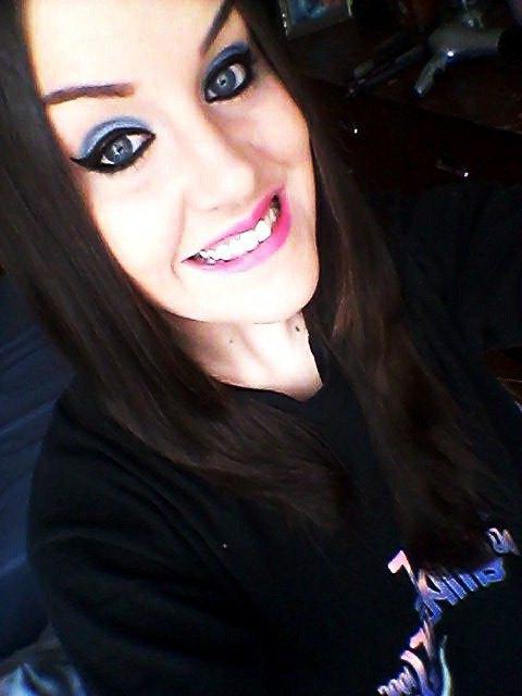 « Quand la vie te présente milles raisons de pleurer , montre lui que tu as mille raisons de sourire.»