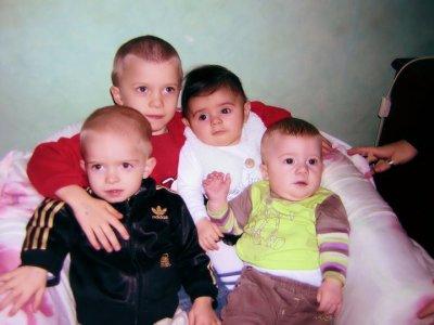 Mes 3 fils et ma niece !!!!