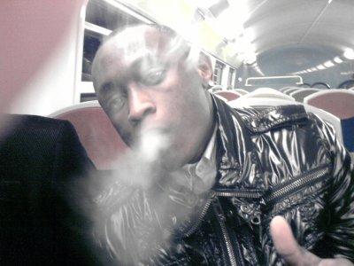 Moii Gros TOujours Entrain de Fumer Du Lourd !! ;)