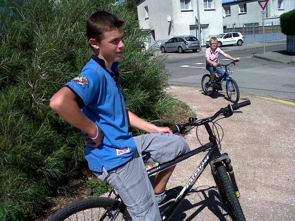 les gamin a vélo