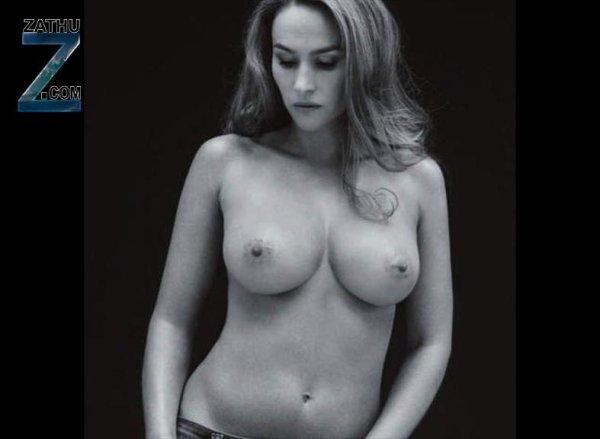 Vanessa Demouy pose seins nus pour la lutte contre le cancer ( zathu )
