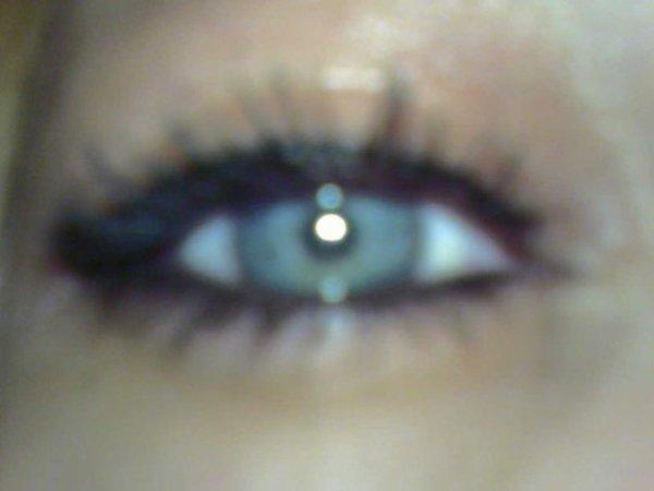 Quel est ta couleur préférée? moua c le bleu comme la couleur de mes yeux!!! :p