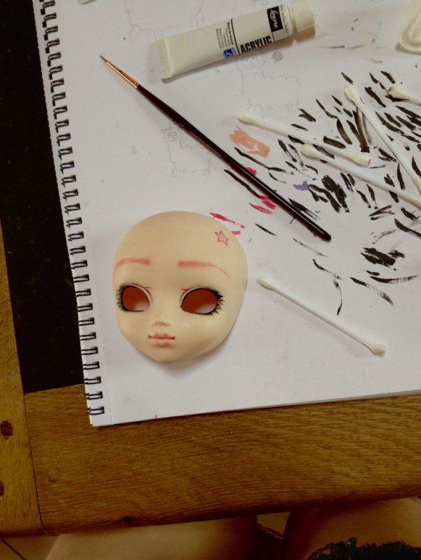 Dernier Make up, les cils sont vraiment degueulasse je me suis battue avec mon pinceau toute l'après midi, vous auriez des conseils?