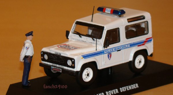 Land Rover 90 Defender POLICE MUNICIPALE