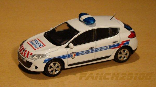 Renault Mégane 1:43  POLICE MUNICIPALE