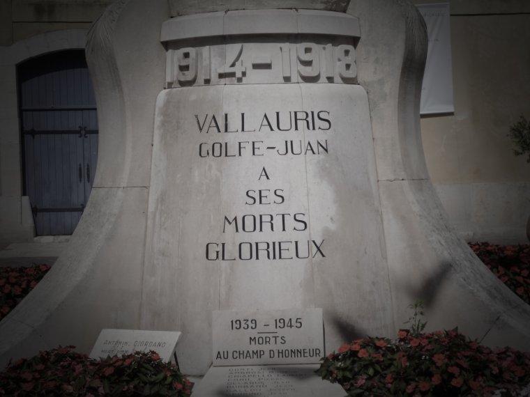 statue aux morts