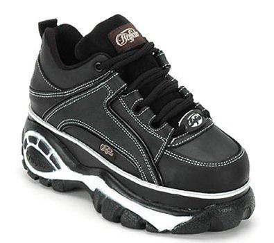 Qui se souvient des chaussures Buffalo ?