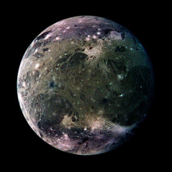 La découverte de l'oxygène dans l'atmosphère d'un satellite de Jupiter nommé Ganymède.