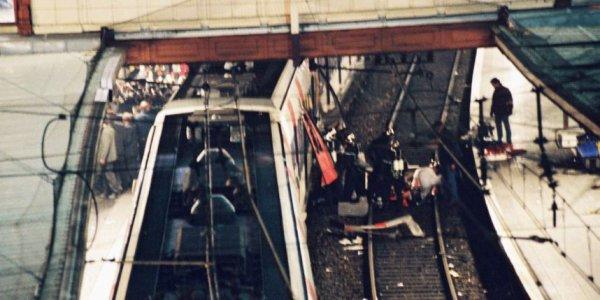 Attentat terroriste dans le R.E.R. à Paris.