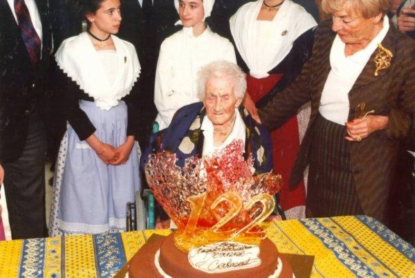 Décès de Jeanne Calment à l'âge de 122 ans.