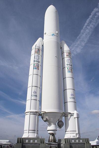 En Guyane, réussite du lancement de la fusée européenne Ariane V.