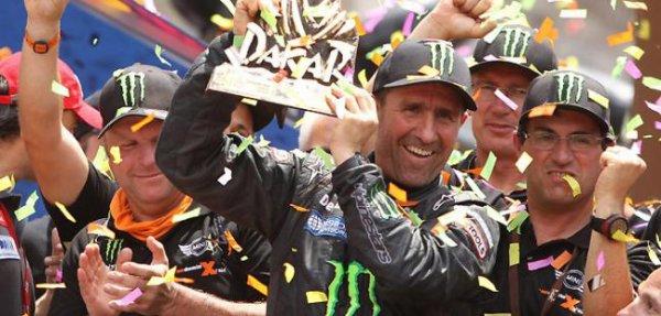 Arrivée du 20e Paris-Dakar. Peterhansel remporte sa 6e victoire en moto.