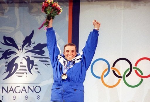Aux JO de Nagano, le français Jean-Luc Crétier remporte la médaille d'or en descente, trente ans après la victoire de J-C Killy à Grenoble.