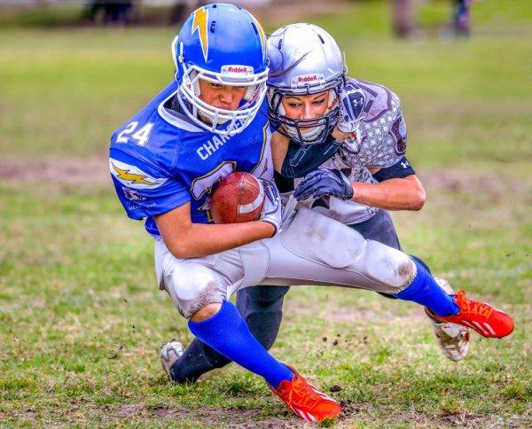 Gridiron Victoria: Jordan Di Mizio making a tackle