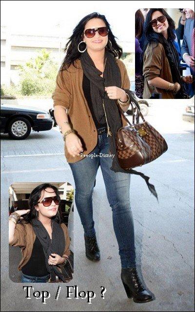 15 Avril : Demi arrivant a LAX Airport, elle est tres souriante. Pour moi c'est Top