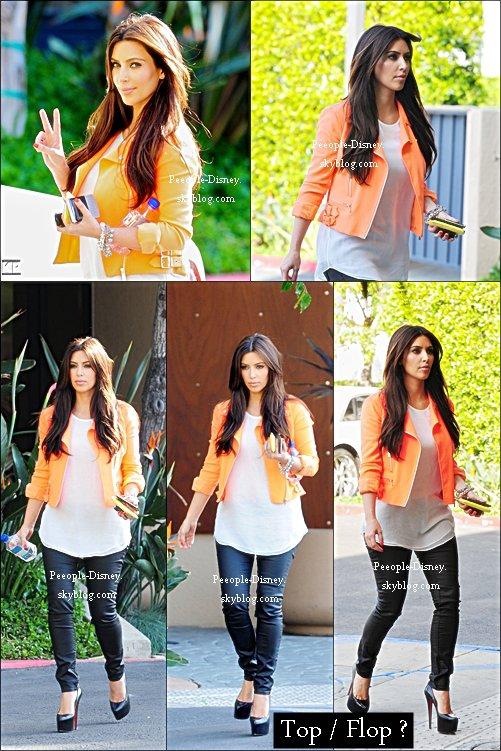 9 avril : Kim quittant un bâtiment à LA. Pour moi c'est un gros Top, j'adore sa veste et ses chaussures :D