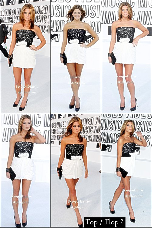 Flashback 12 Septembre 2010: Ashley au MTV Video Music Awards 2010. Pour moi c'est un beau Top, j'adore sa robe et tout ce quelle porte :D