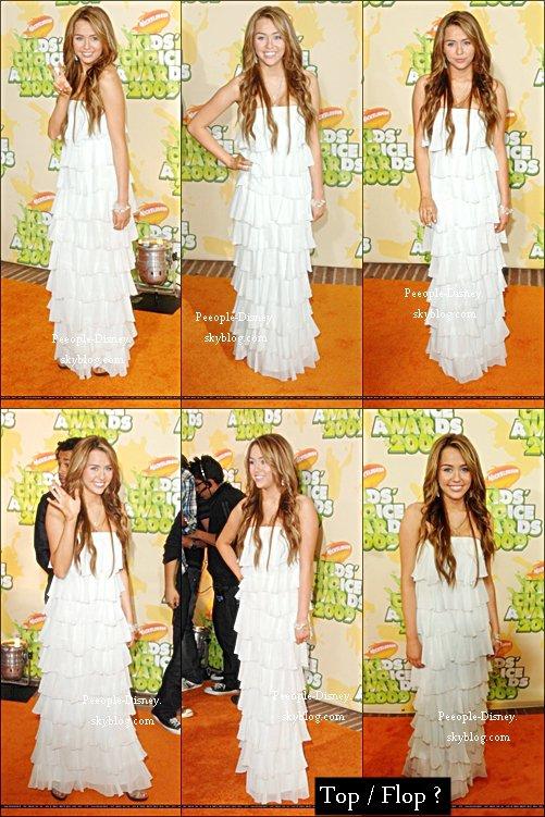 Flashback 28 Mars 2009: Miley était au Kids Choice Awards 2009. Pour moi c'est un beau Top, elle est super belle, j'adore ses cheveux et sa robe :D