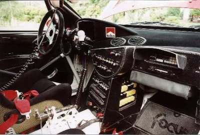 Interieur d 39 une ford focus wrc blog de john007 for Interieur wrc