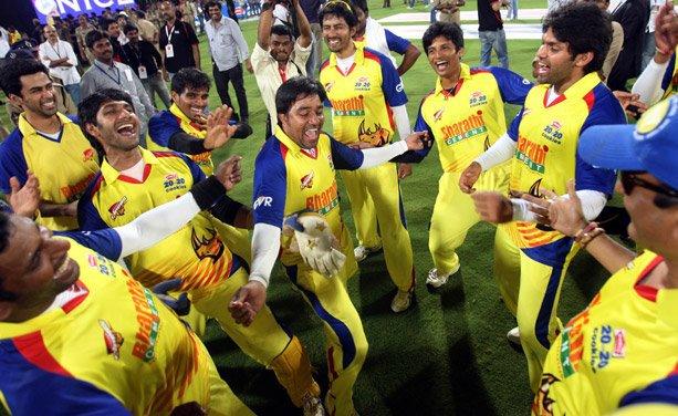 And the CHENNAI RHINOS win !!!!!!!!!