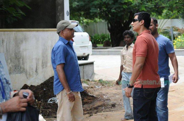 Sur le tournage de Neethaane En Ponvasantham