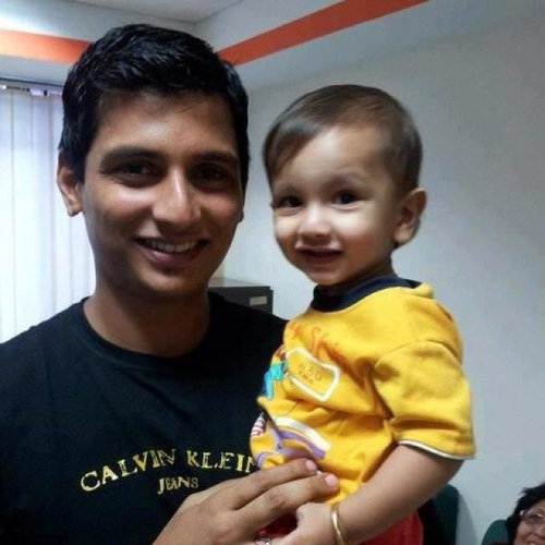 Jiiva avec son fils Sparsha
