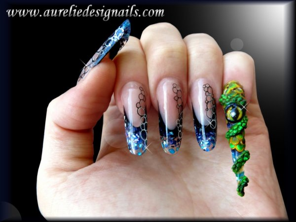 pose d'ongle serpent