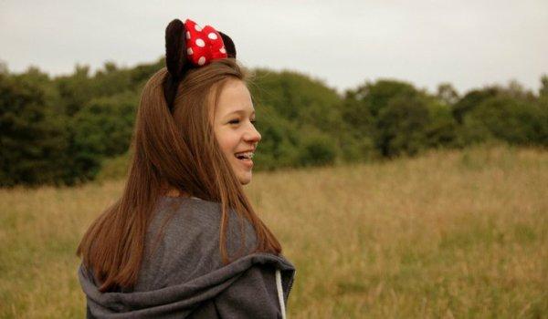 C'est le genre de fille qui sait paraître heureuse même quand elle est triste. Et c'est çà qui est important.