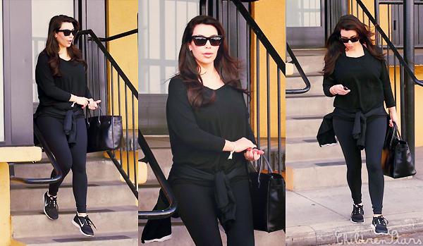 . CANDIDS 29.01.13 : Kim Kardashian quittait son club de gym. .