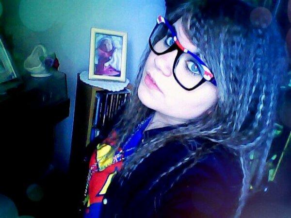 Mes lunette d'angleterre *-* ♥ Ps:je les est eu la-bas:♥