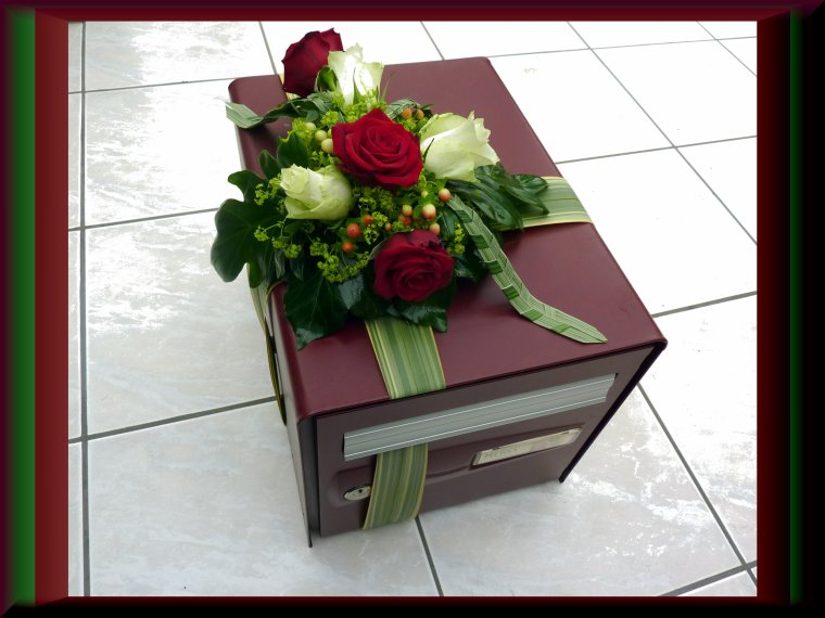 La boite aux lettres destinée aux cadeaux . Demain la suite