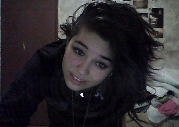 Ton amour me redonne le sourire . :)