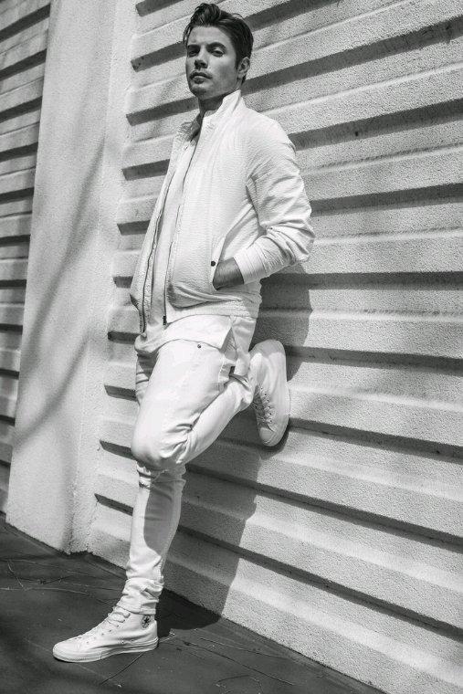 Josh henderson alias John Ross dans la version 2012