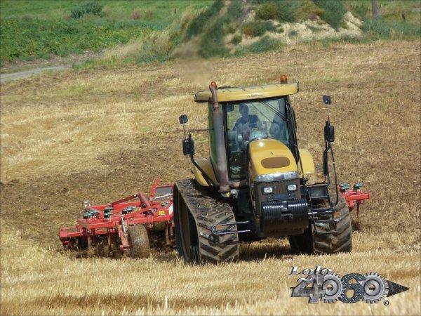 Challenger Mt 765 et Kverneland Ctc 600