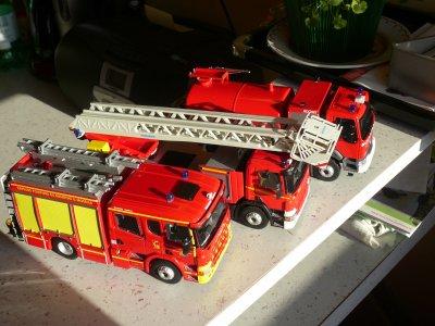 Le Scania FPT , le Scania Grande échelle Magirus et le Renault Lander CCGC ( tout éligor )