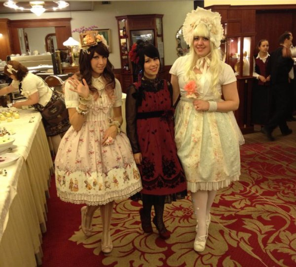 Tokyo crazy Kawaii et Tea party Innocent World