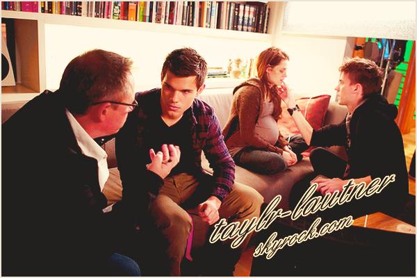 *  • Nouvelle photo de Taylor sur le tournage de « Breaking Dawn » partie 1   votre avis ?  *