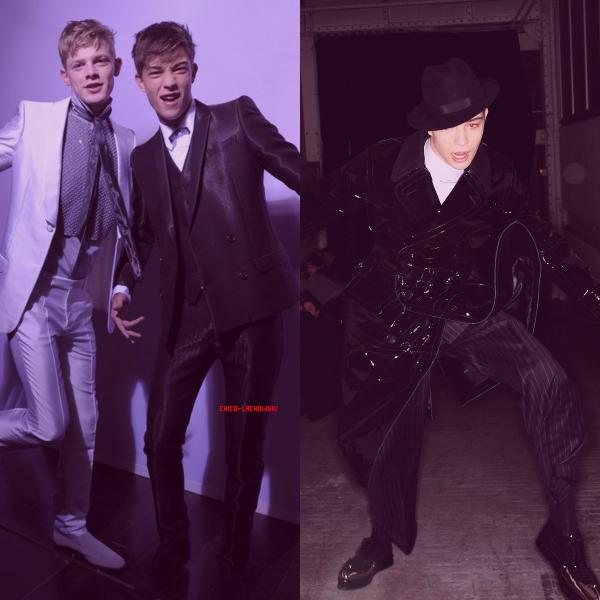 .  John Galliano Fashion Show : Backstage Time ! Il est juste magnifique sur la deuxième photo !    .
