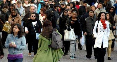 2/3 des français pense que leur vie personnel pose problème fasse à la crise... J'fais parti de ses gens là !