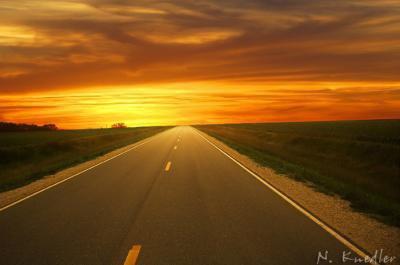 Jusqu'où l'avenir me conduira... J'm'inquiète... Je pense au mauvais souvenir de mon passé, je n'ai aucun avenir...